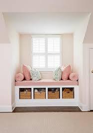 canap entr e banc canapé encastrer entre deux murs en dessous d une fenêtre
