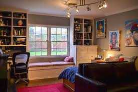 my teenage boy s baseball room filled with ny yankees baseball not only did big d get a room full of baseball memorabilia but he also cashed in with a nice leather sofa bed since we no longer had room to put that