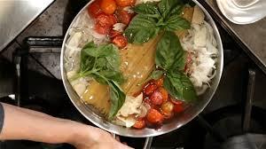 cuisiner les pates cuisiner les pâtes et la sauce dans un seul chaudron en 20