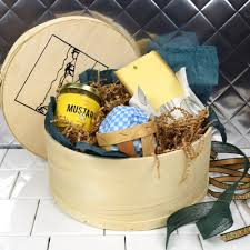 Cheese Gifts 9 Best Gifts For Anyone Obsessed With Cheese Food U0026 Wine