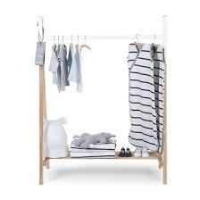 support vetement chambre portant vêtements en hêtre chambre enfant tipi bois wadiga la redoute