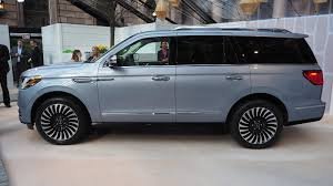 lincoln navigator rims 2018 lincoln navigator a closer look inside and out via videos