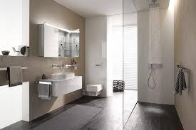 bad 2015 in hellgrauer holzoptik badezimmer 2015 faszinierend auf dekoideen fur ihr zuhause on