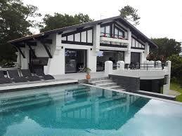 chambre d h e de charme maison avec piscine exterieure decoration thematique chambre