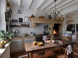 decoration cuisine ancienne cagne une maison de famille pleine de charme