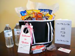 Wedding Gift Baskets Welcome Wedding Gift Basket Bag Ideas For Destination Weddings