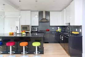 2 tone kitchen cabinets sleek and modern two tone kitchen cabinets thefischerhouse