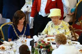the queen of england drinks 4 cocktails a day simplemost