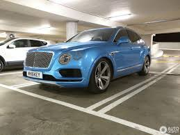 blue bentley 2016 royal blue bentley bentayga spotted sitting unusually low