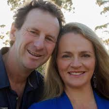 office space shove this jay oh bee 384409a500000578 3786277 pictured is the couple who live in toomwooba today mr bonell is a 3 1473745491603 jpg