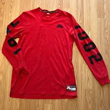 nike sweatshirt mercari buy u0026 sell things you love