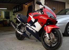 cbr 600r honda sportbike rider picture website