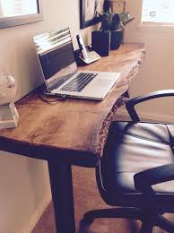 Build A Wooden Computer Desk by Best 25 Rustic Desk Ideas On Pinterest Rustic Computer Desk