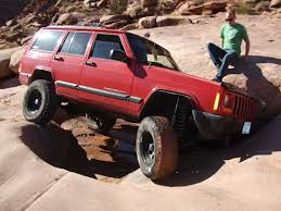 wrecked jeep cherokee jeep cherokee blog the jeep xj cherokee