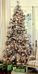 Snow Flocking For Christmas Trees by 154 Best Christmas Flocked Trees Images On Pinterest Xmas