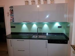 cuisine en verre blanc faience en verre pour cuisine pose credence couleur newsindo co