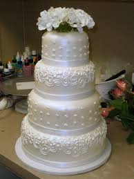 tier round custom white pearl fondant classic traditional wedding