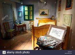 chambre vincent gogh recreation of gogh s bedroom chambre de vincent museum arles