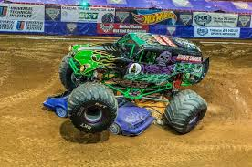 images of grave digger monster truck grave digger inside monster truck rallies pictures cbs news