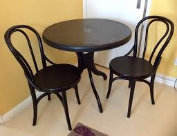 plastic round table and chairs plastic round table and 2 chairs in southton hshire gumtree