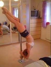 Pole In Bedroom Bam Dancing Pole In Your Bedroom Imgur