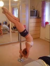 Pole In Bedroom Bam Dancing Pole In Your Bedroom Imgur