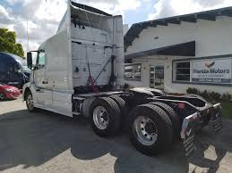 used volvo semi trucks used 2010 volvo vnl 670 tandem axle sleeper for sale in fl 1086