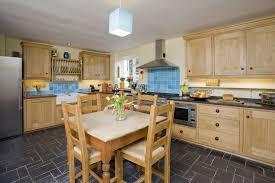 cottage kitchen design cottage style kitchens traditional farmhouse kitchens beach