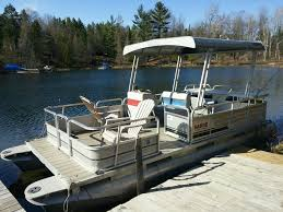 Vinyl Pontoon Boat Flooring by Composite Decking On Pontoon The Hull Truth Boating And