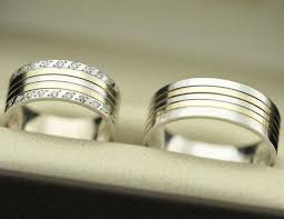 his and hers wedding sets unique his and hers wedding ring band photos lovetoknow