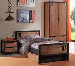 chambre garcon complete une chambre complète pour adolescent au style industriel