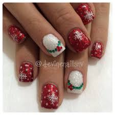 christmas nails 2013 with holly wreath accents thumb matched ring