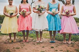 7 bridal parties who totally nailed the u0027mismatched dresses u0027 trend