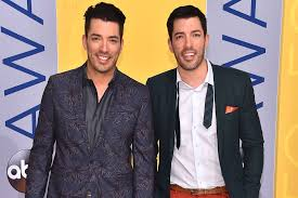 property brothers drew and jonathan scott and girlfriends