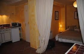 chambre d hote rocbaron gîtes et chambres d hôtes la maison des voyageurs rocbaron 83