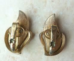 clip on earrings uk crown trifari gold tone leaf design clip on earrings