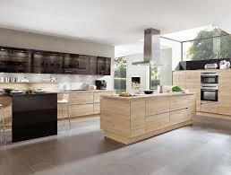 cuisine avec piano central ilot central cuisine bois brut mzaol com