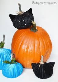 make black cat velvet pumpkins 8 more diy halloween ideas