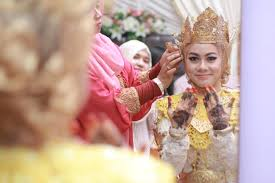indonesian wedding photography capturing traditions in indonesia