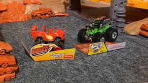 grave digger 30th anniversary monster truck toy blaze vs gravedigger 2016 wheels monster truck king of the