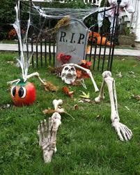 Skeleton Halloween Yard Decoration by Halloween Yard Decorations