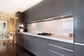 cuisine castré verrière ou crédence en verre trempé pour votre cuisine à lavaur
