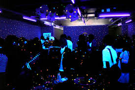 how much are black lights the college culprit how to throw a legendary black light party