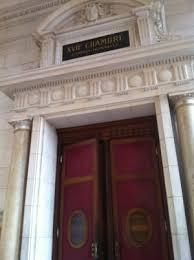 chambre correctionnelle au tribunal une ligne blanche peut en cacher une autre ça part