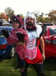 Hood Dad Meme - dad dresses as golidlocks for daughter s halloween costume the