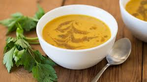 cuisiner la citrouille soupe à la citrouille noix de coco et cari epicure com