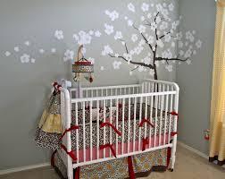 arbre chambre bébé chambre enfant arbre mur gris chambre bebe 20 idées douces de