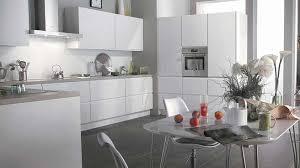 cuisine avec carrelage gris plan de travail cuisine gris clair inspirational quelle couleur