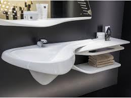 meuble de salle de bain original meubles salle de bain design en blanc brillant et miroir original