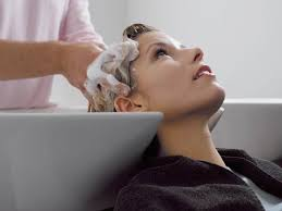 average tip for a haircut hair salon etiquette how much should you tip your hairstylist